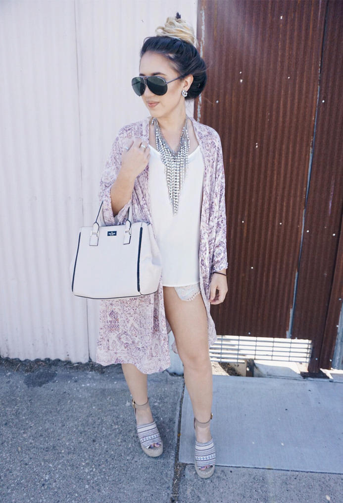 road-trip-essentials-chic-ootd-kimono-fall-style-01