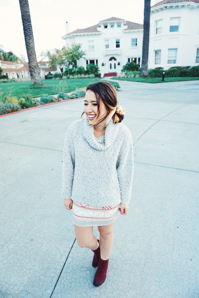 fall-style-in-california-sweater-and-skirt-03