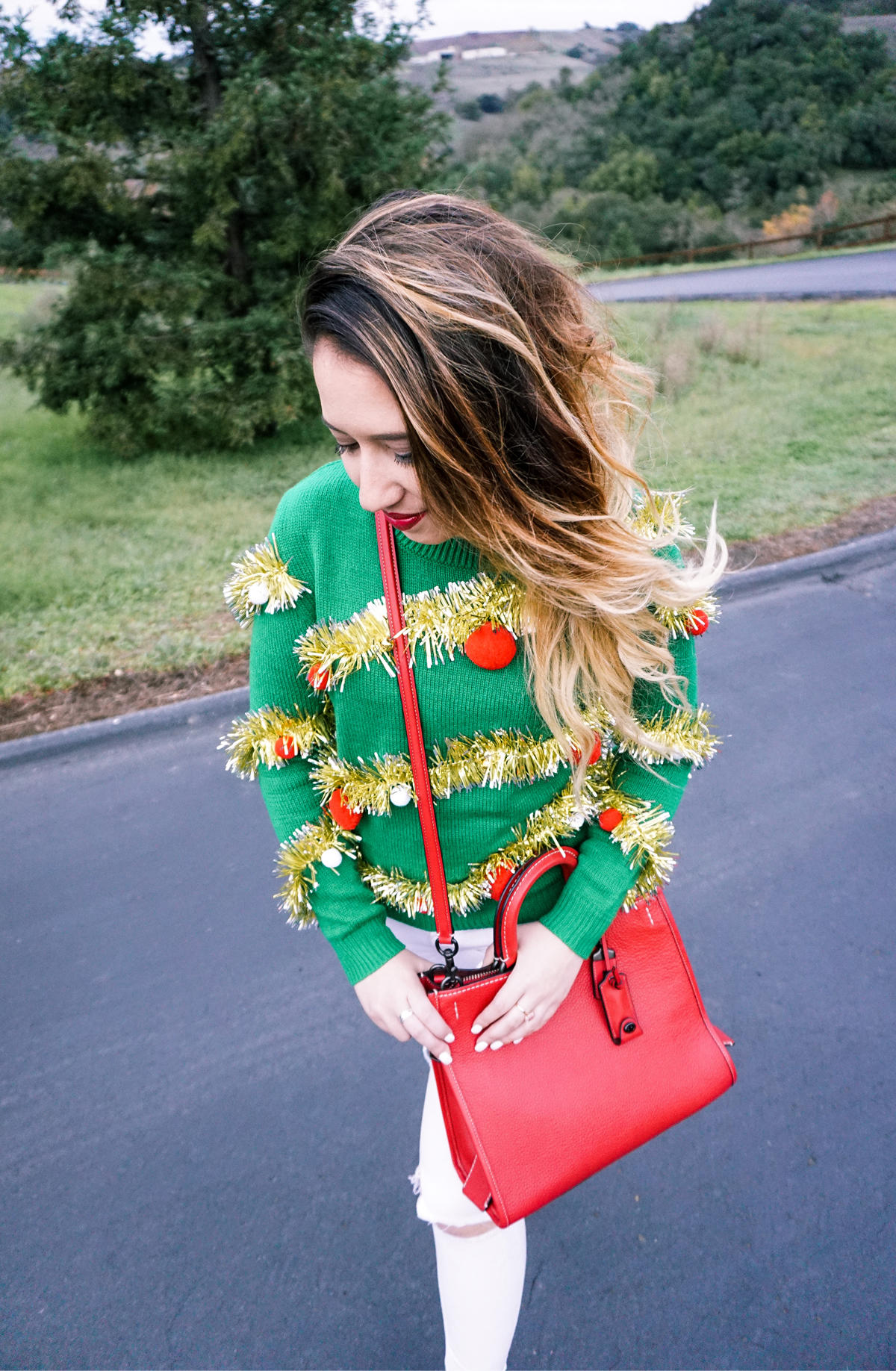 ugly-christmas-sweater-holidays-party-couples-01