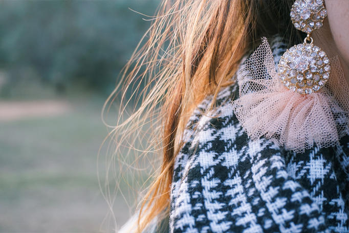 scarf-fall-staple-elevate-look-holiday-gift-inspo-02