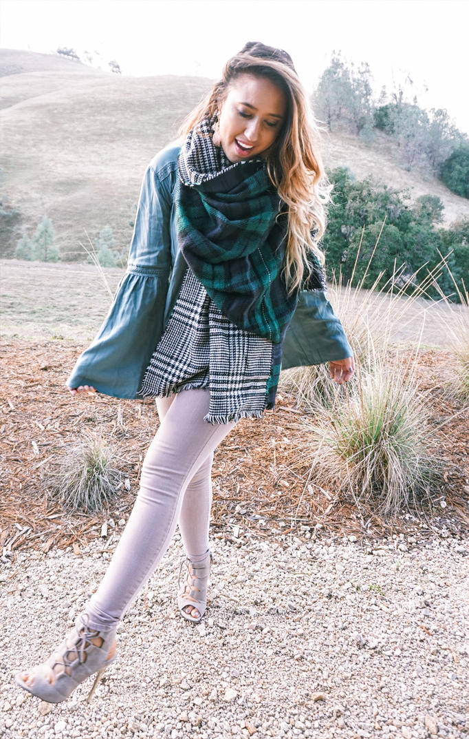 scarf-fall-staple-elevate-look-holiday-gift-inspo-04