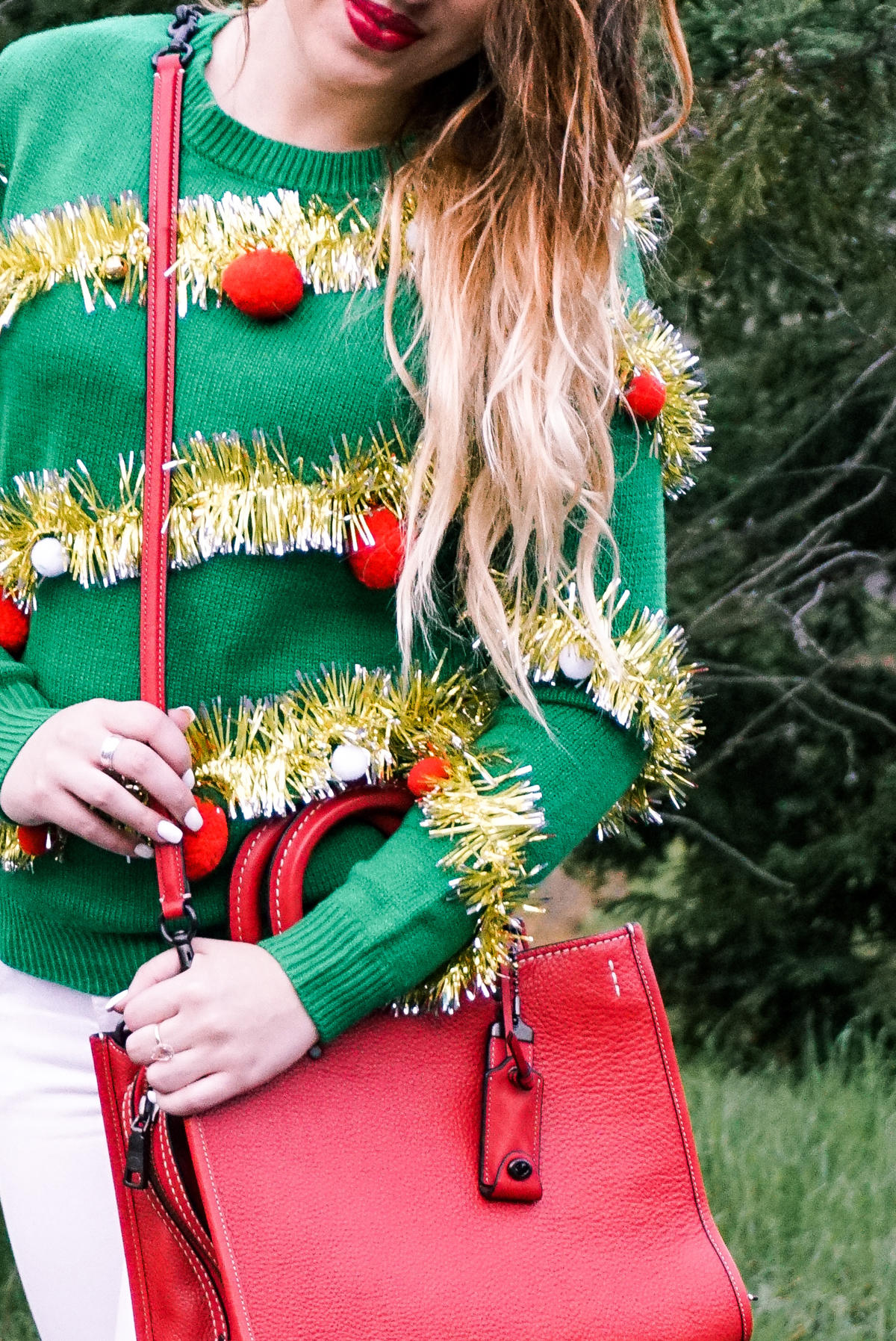 ugly-christmas-sweater-holidays-party-couples-04